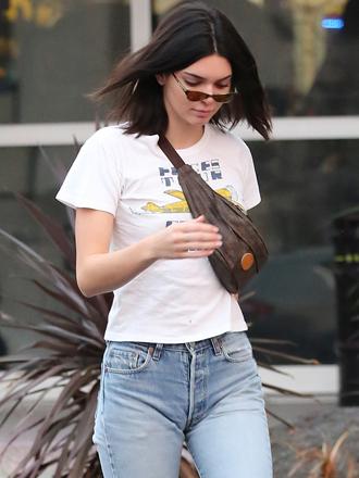 Kendall Jenner marca estilo: la riñonera está de moda
