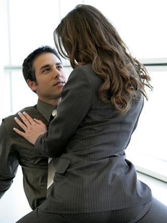 Relaciones sexuales o sentimentales con un compañero de trabajo