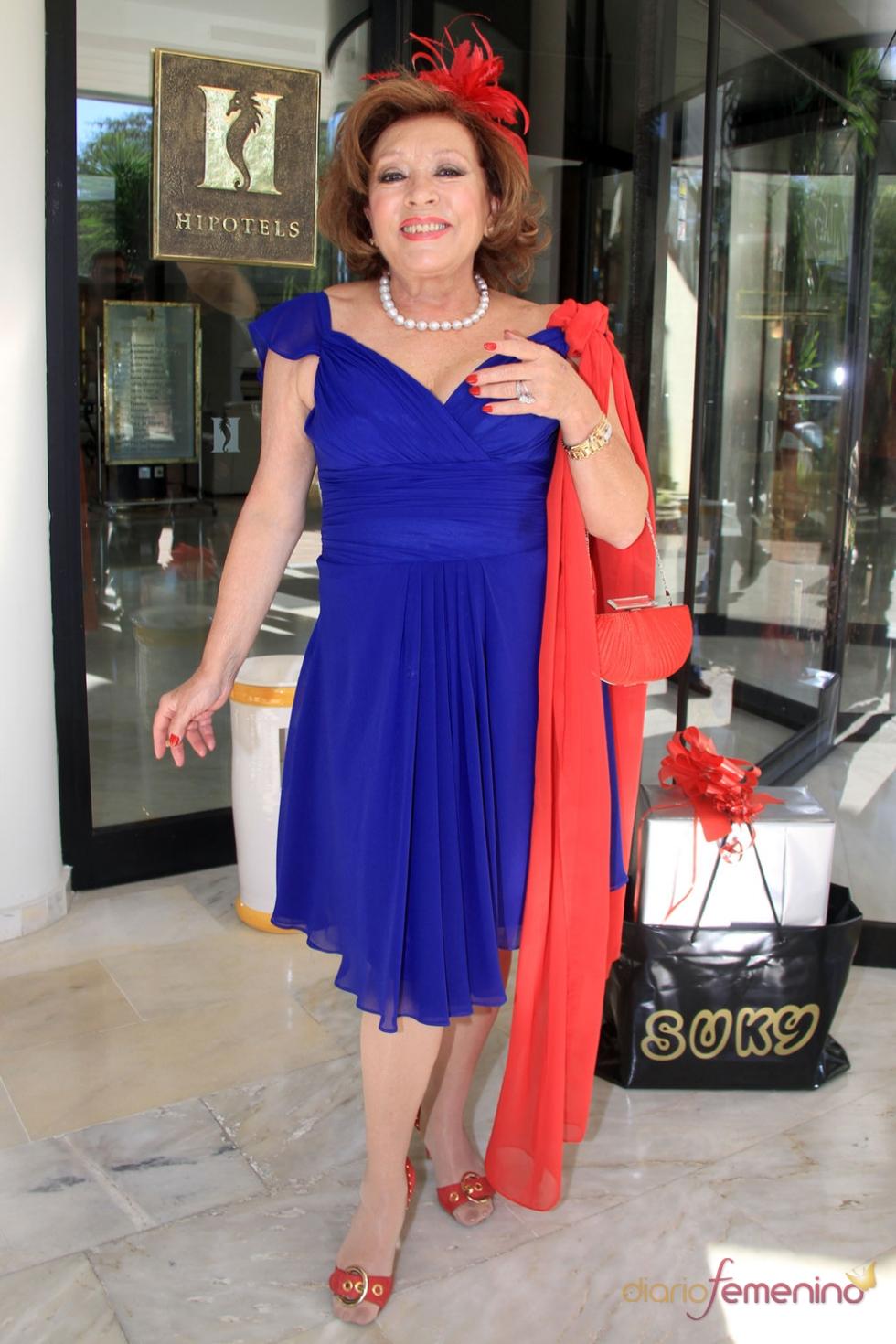 Mari Carmen, sin sus muñecos, en la boda de Beatriz Trapote