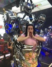Katy Perry se lo pasa bien allí donde va