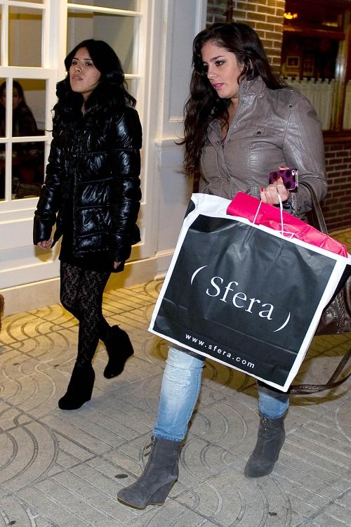 Chabelita, de compras con su prima Anabel Pantoja