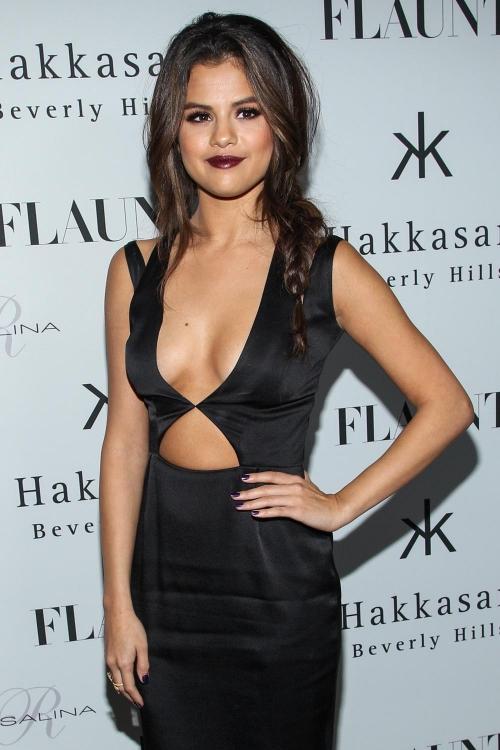 Selena Gomez: lección de cómo llevar un vestido sexy