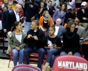 Michelle Obama junto a su familia como unos espectadores más