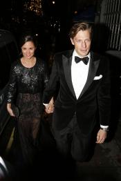 Las atrevidas transparencias de Pippa Middelton junto a su novio