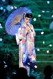 Katy Perry y su look a lo geisha triunfaron en los AMA 2013