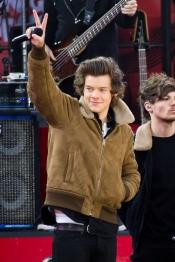 Así practica Harry Styles para su actuación en La Voz