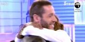 El abrazo de Leo y Liz en MYHYV: la tensión pasional