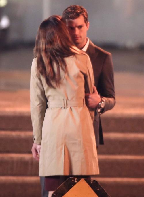 Dakota Johnson y Jamie Dornan comienzan las escenas de pareja de '50 sombras de Grey'