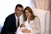 Letizia y el Príncipe junto a la recién nacida Leonor fue la imagen elegida para felicitarnos la Navidad en 2005