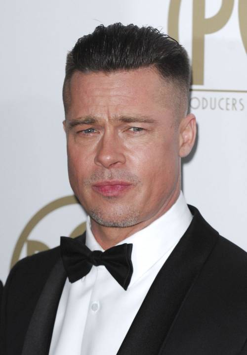 Brad Pitt estrena nuevo look para su próxima película