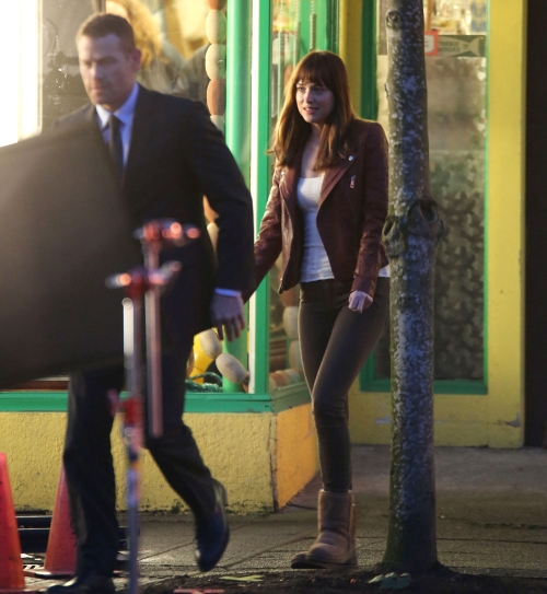 Dakota Johnson y Maxi Martini, en 50 sombras de Grey: la novia y el guardaespaldas de Christian Grey