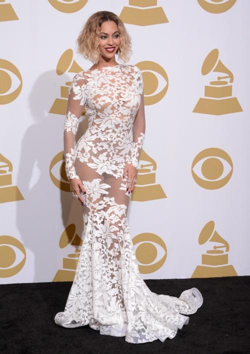 Beyoncé, espectacular con el look más sexy de los Grammy 2014