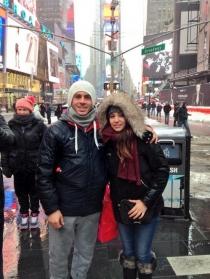 Sonia Walls y Kristian GH, en el Times Square de Nueva York