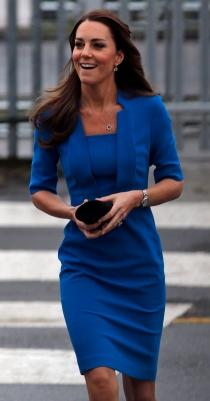 Kate Middleton, con uno de sus mejores looks de falda corta