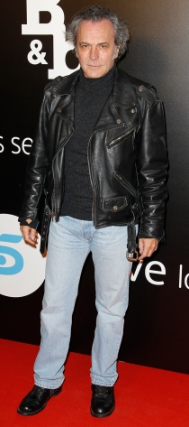 José Coronado, con su look mas rockero en la presentación de ByB