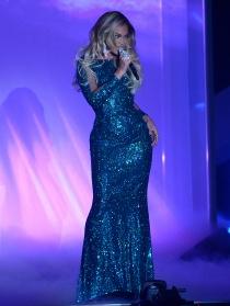 Beyoncé, radiante en los Brit Awards 2014