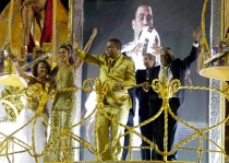 Ronaldo, con su familia en el Carnaval de Sao Paulo 2014