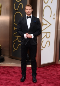 Kellan Lutz, en la alfombra roja de los Oscars 2014