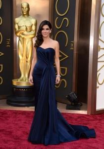 Sandra Bullock, en la alfombra roja de los Oscars 2014