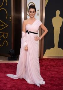 Penélope Cruz, en la alfombra roja de los Oscars 2014