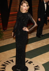 Taylor Swift, con un look espectacular en la fiesta tras los Oscars 2014