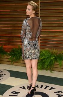 Jennifer Lawrence presumió de espalda con su vestido de la fiesta de los Oscars 2014
