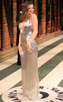 Miranda Kerr se pasó con el escote en la fiesta posterior a los Oscars 2014