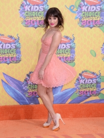 Lea Michele lleva 'Glee' a los Kids Choice Awards 2014