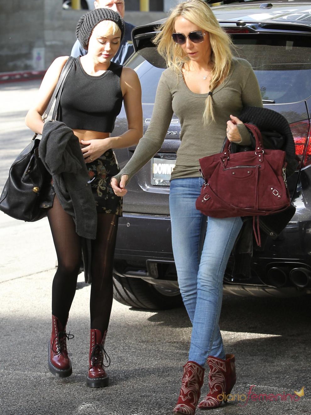 Miley Cyrus y su madre, Tish Finley: ¡cómo se nota que comparten genes!