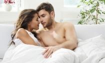 """""""Vení a dormir conmigo: no haremos el amor, él nos hará"""" Julio Cortázar"""