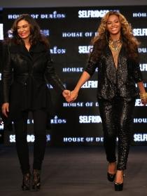Beyoncé y su madre, Tina Knowles, inseparables en la pasarela y en la vida