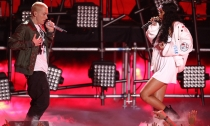 Rihanna y Eminem deleitan con su música en los MTV Movie Awards 2014