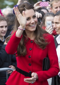 Kate Middleton, abonada al rojo y a las pulseras de goma