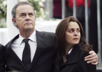 Shaila y Junior, en el funeral de Rocío Dúrcal
