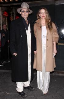 Johnny Depp y su novia Amber Heard, a cada cual más pintas