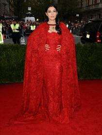 Monica Bellucci, vestida de bruja en los MET 2014