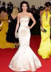Kendall Jenner, espectacular con un vestido precioso en la gala MET 2014