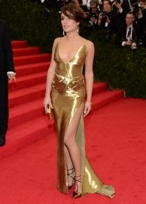Lea Michele, embutida en un vestido dorado en la Gala MET 2014