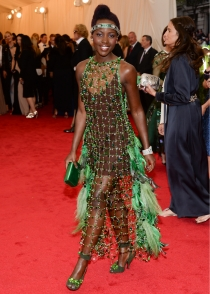 ¿De qué va vestida Lupita Nyong'o en la gala MET 2014?
