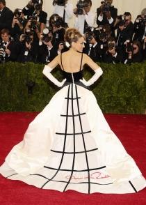Sarah Jessica Parker y su impresionante vestido en la Gala MET 2014