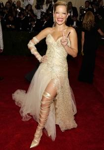Rita Ora, la burbuja de Freixenet más chunga en la Gala MET 2014