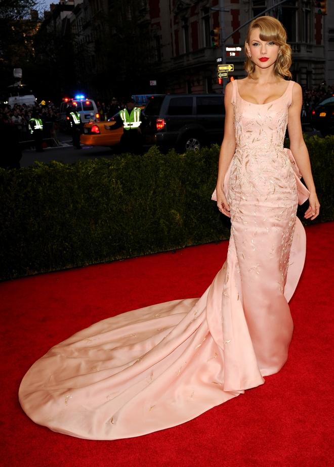 El sensacional vestido de Taylor Swift en la Gala MET 2014