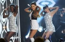 Ariana Grande, la más sensual sobre el escenario de los Billboard 2014