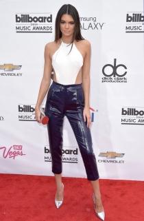 El hortera look de Kendall Jenner en los premios Billboard 2014