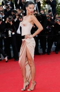 Adriana Lima, la más sexy del festival de Cannes 2014