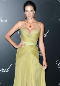 Alessandra Ambrosio, la más provocativa del Festival de Cannes 2014