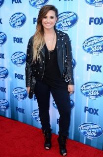 El look más rockero de Demi Lovato