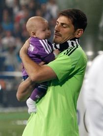 Iker Casillas quiso que Martín viviese en el campo la celebración del Real Madrid