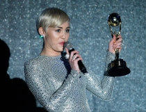 Miley Cyurs, una de las triunfadoras de los World Music Awards