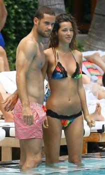 Malena Costa en bikini